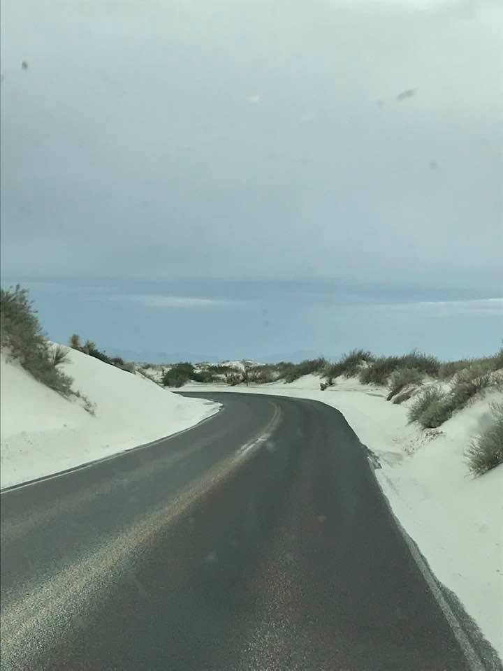 This image has an empty alt attribute; its file name is rv-white-sands-2.jpg