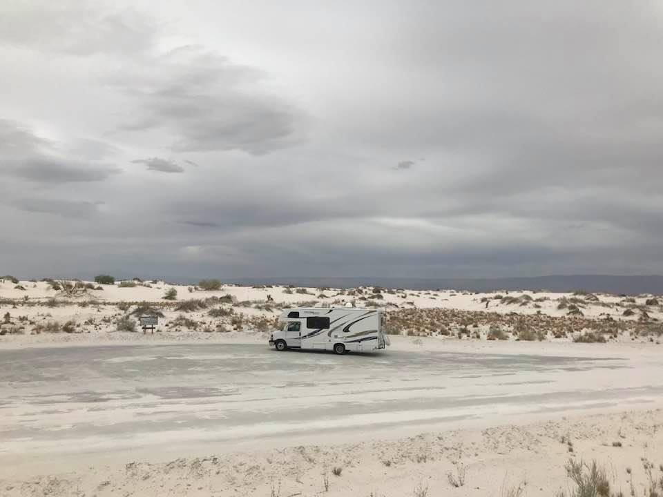 This image has an empty alt attribute; its file name is rv-white-sands-6.jpg