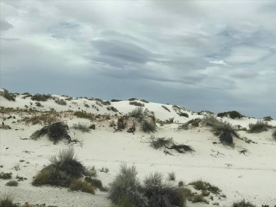 This image has an empty alt attribute; its file name is rv-white-sands-nm.jpg