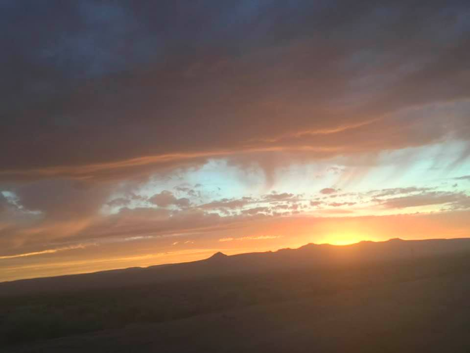 This image has an empty alt attribute; its file name is rv-boondocking-senic-sunset.jpg