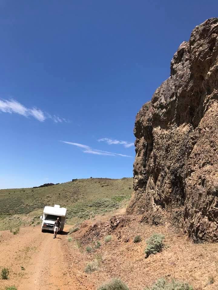 This image has an empty alt attribute; its file name is rv-canyon-boondocking-hwy-95-me-and-rv.jpg