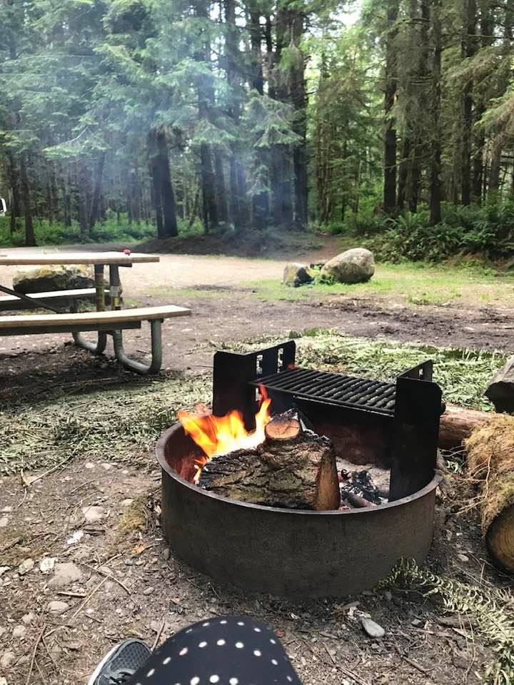 This image has an empty alt attribute; its file name is rv-firepit-wa.jpg