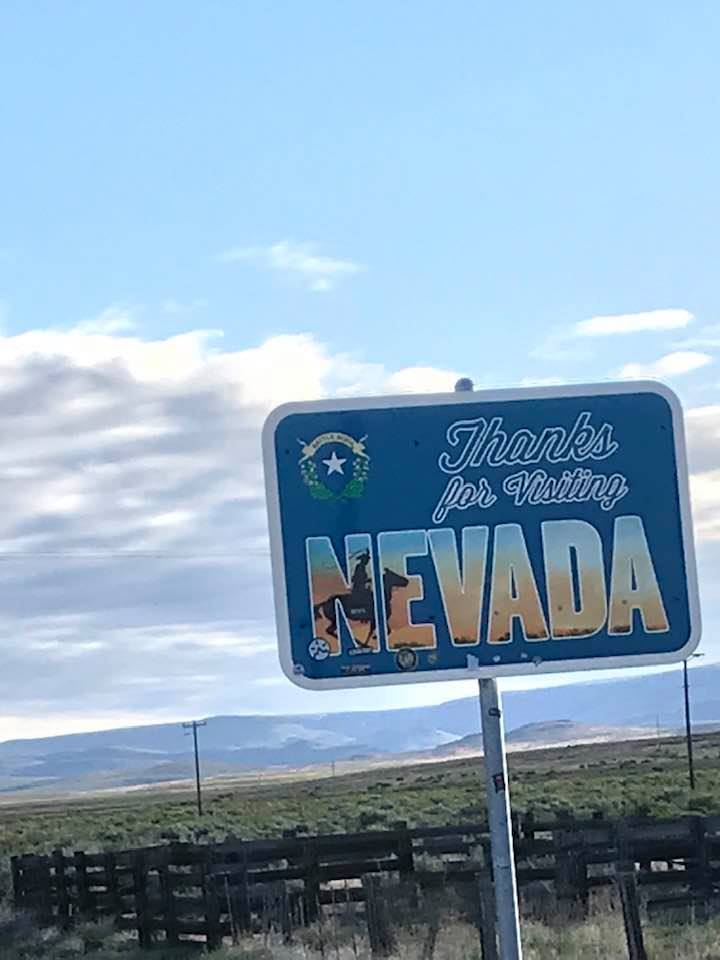 This image has an empty alt attribute; its file name is rv-leaving-nevada-on-95.jpg