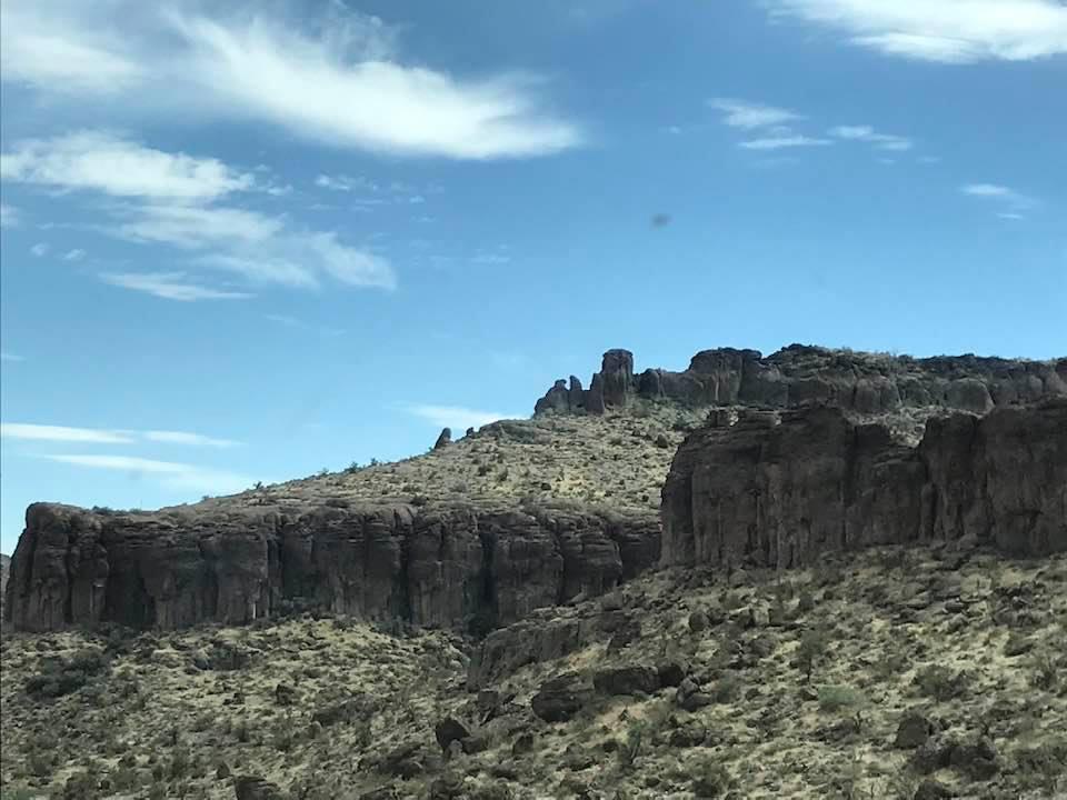 This image has an empty alt attribute; its file name is rv-terrain-near-oatman.jpg